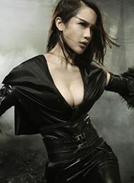 宅男女神潘霜霜魅惑cosplay《暗夜贵族》惊艳写真