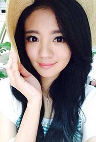 台湾气质女星安以轩自拍照