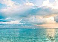 我只想和某人在某年某月去看海