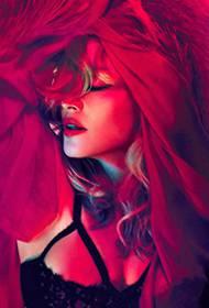美国女歌手麦当娜美丽动人艺术照