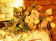 婚礼上的浪漫玫瑰花告示牌