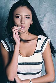 韩国车模李美贤短裙秀大长腿组图