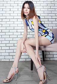 台湾玉腿美女Sarah肉丝写真