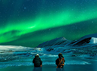 冰川绿光星空唯美意境背景图