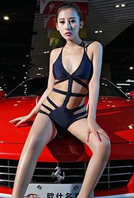 骨感美女车模的性感个人秀