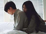 qq皮肤情侣图片图甜蜜拥抱