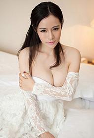 秀人嫩模白色性感蕾丝连衣裙私房拍摄