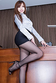 美腿美女黑丝短裤诱惑