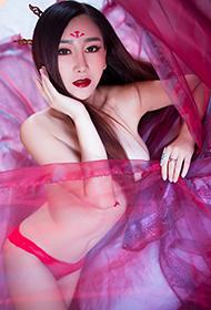 秀人网邹晶晶上演红色诱惑性感写真
