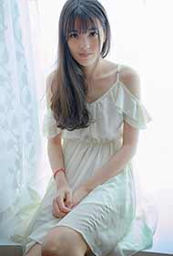 邻家少女纯白色唯美可爱写真