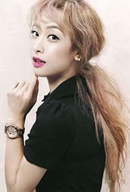 亚洲美女明星宋茜展现成熟风