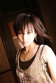日本女演员堀北真希美艳动人写真