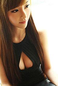 优雅女神性感紧身黑裙私房写真