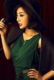 内地气质女演员刘晓妮最新复古写真