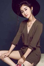 时装美模张力文高挑身材令人着迷