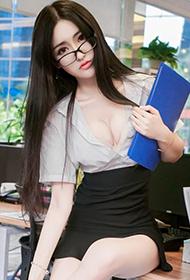 沈梦瑶变身性感老师诱惑福利新照