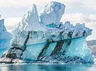 壮丽唯美的海上冰山图片