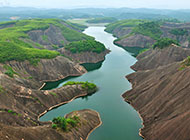 俯拍湖南郴州丹峡山风景图片