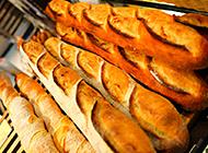 面包中的硬汉法式面包图片