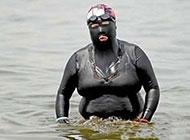 搞笑雷人的泳装图片