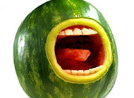 创意西瓜搞怪表情图片