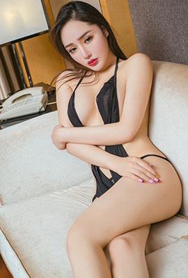 美女模特麦苹果大尺度人体写真图片