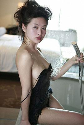 日本冷艳女星吉野纱香性感写真集