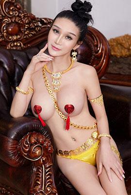极品女神李宓儿变身性感女皇高清人体写真