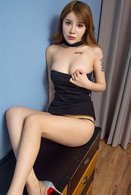 性感御姐左函漪超短裙写真图片