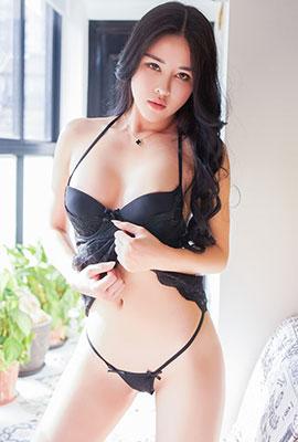 成熟模特叶佳颐最新性感写真图片