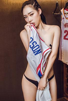 中国嫩模炮炮大胆人体艺术照图片