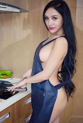 绝色美女洛可可变身性感厨娘高清图片