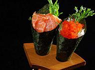 手卷日本三文鱼寿司高清图