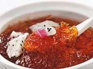 营养美味的火龙果炖燕窝图片