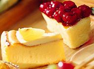 酥松绵软的果酱糕点图片