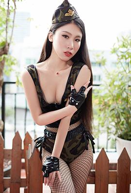 火辣美女战姝羽迷彩制服性感写真