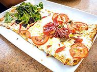 里香外酥的方形披萨图片