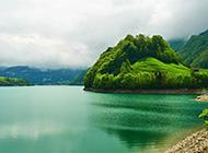 绿色护眼山水风景高清桌面壁纸