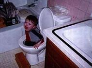外国搞笑的童年糗事图片