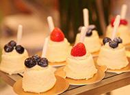 自助西餐蛋糕甜点图片