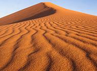 无垠壮观的沙漠风光壁纸