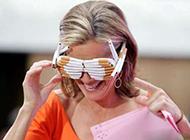 每日爆笑图片之新潮的眼镜