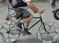 街头自行车雷人恶搞图片