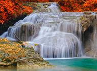 秋天红枫叶瀑布风景桌面壁纸