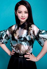孤芳不自赏演员邓莎时尚