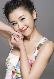 演员李小萌唯美气质写真图片