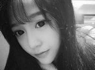 可爱单纯的女生黑白头像图片