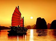 夕阳下的小舟唯美风景壁纸