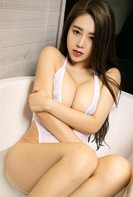 性感尤物欣妍黑白撩人浴室写真