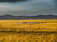辽阔的内蒙古大草原秋天风景壁纸